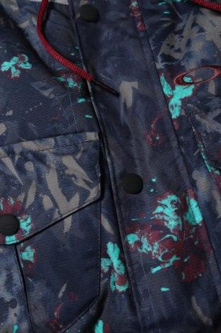 Дамско яке за зимни спортове Oakley, Размер XS, Цвят Многоцветен, Полиестер, Цена 107,25лв.