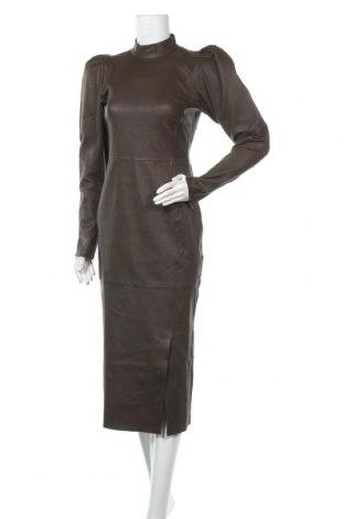 Кожена рокля Gestuz, Размер S, Цвят Зелен, Еко кожа, Цена 134,25лв.