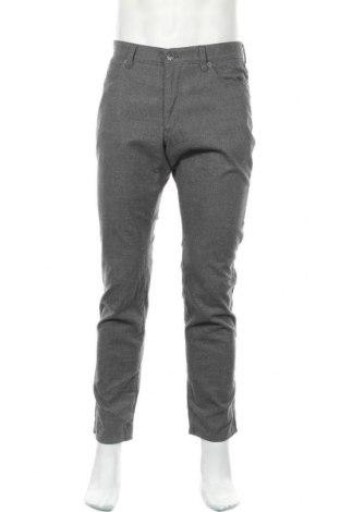 Мъжки панталон Brax, Размер M, Цвят Сив, 55% полиестер, 33% памук, 11% вискоза, 1% еластан, Цена 30,19лв.