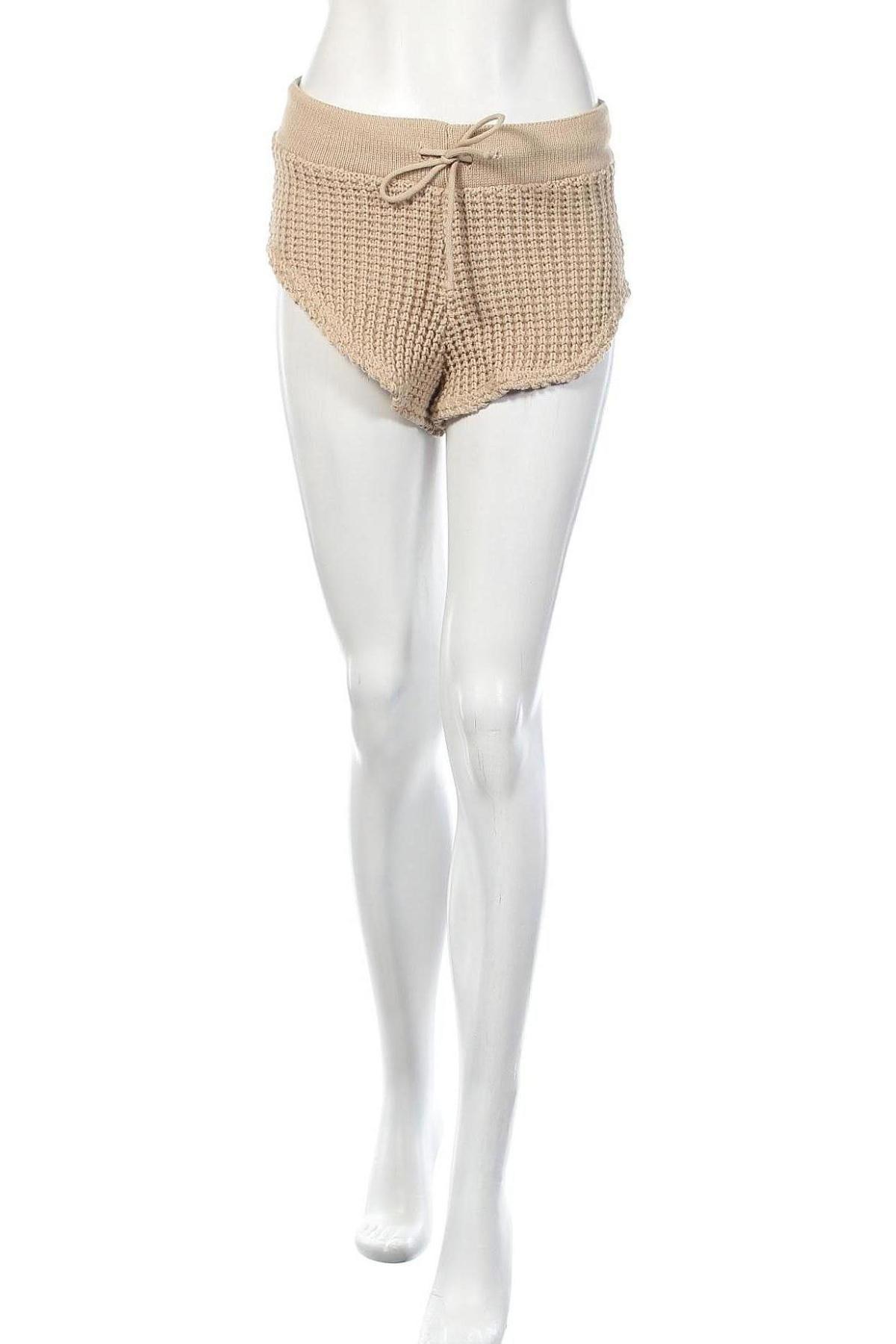 Дамски къс панталон Stylewise, Размер S, Цвят Бежов, Акрил, Цена 9,32лв.