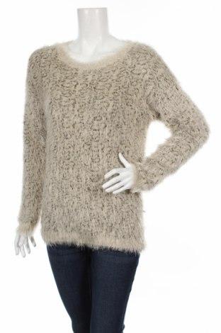 Дамски пуловер Carmen Marc Valvo