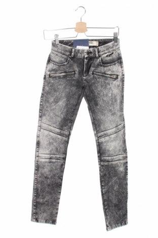 Дамски дънки Kaporal, Размер XS, Цвят Сив, 97% памук, 3% еластан, Цена 17,00лв.