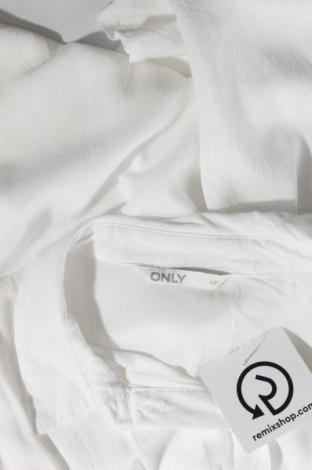 Дамска риза ONLY, Размер L, Цвят Бял, Вискоза, Цена 33,00лв.