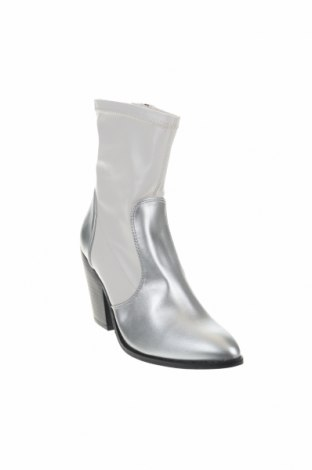 Γυναικεία μποτάκια Boohoo, Μέγεθος 36, Χρώμα Λευκό, Δερματίνη, Τιμή 9,59€
