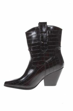 Γυναικεία μποτάκια Boohoo, Μέγεθος 39, Χρώμα Μαύρο, Δερματίνη, Τιμή 10,67€
