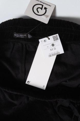Γυναικείο κοντό παντελόνι Bershka, Μέγεθος M, Χρώμα Μαύρο, 82% βαμβάκι, 18% πολυεστέρας, Τιμή 9,84€