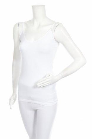Дамски комплект Vero Moda, Размер S, Цвят Бял, 95% памук, 5% еластан, Цена 19,00лв.