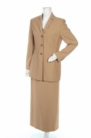 Дамски костюм Oui, Размер M, Цвят Бежов, 54% полиестер, 44% вълна, 2% еластан, Цена 20,29лв.