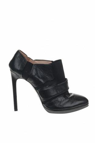 Дамски обувки Giorgio Armani, Размер 40, Цвят Черен, Естествена кожа, Цена 201,75лв.