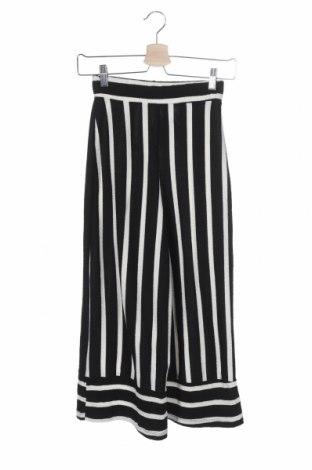 Дамски панталон Pull&Bear, Размер XS, Цвят Черен, 86% полиестер, 13% памук, 1% еластан, Цена 12,60лв.