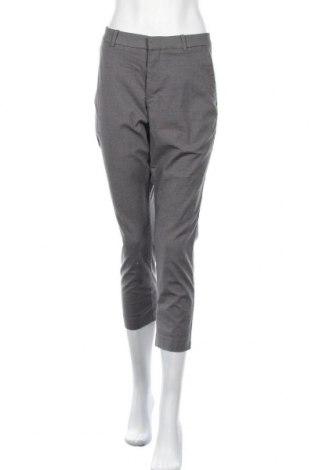 Дамски панталон Uniqlo, Размер M, Цвят Сив, 55% полиестер, 41% памук, 4% еластан, Цена 10,66лв.