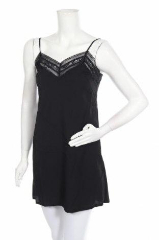 Пижама Guess, Размер S, Цвят Черен, Полиестер, Цена 53,36лв.