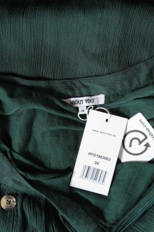 Пола About You, Размер XS, Цвят Зелен, Вискоза, Цена 21,28лв.
