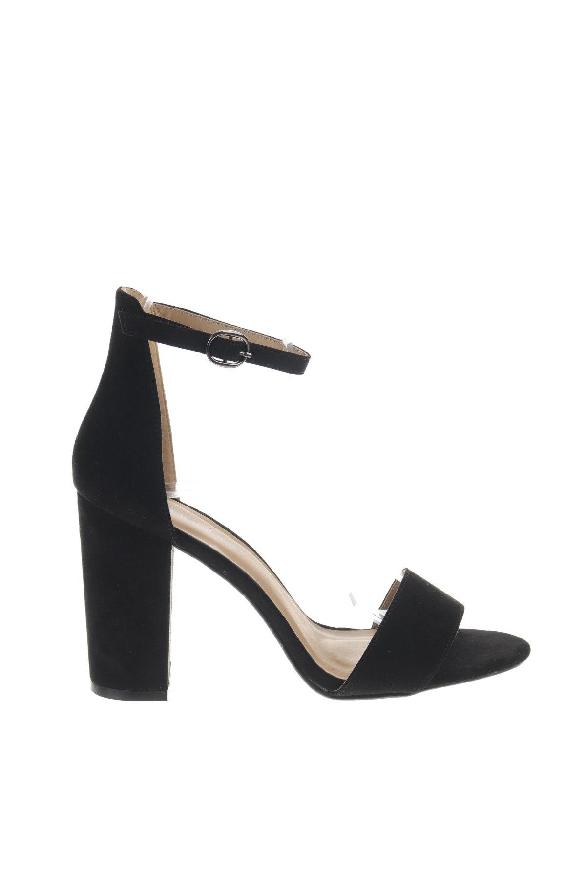 Σανδάλια Boohoo, Μέγεθος 39, Χρώμα Μαύρο, Κλωστοϋφαντουργικά προϊόντα, Τιμή 16,73€