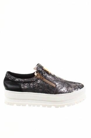 Дамски обувки Exe