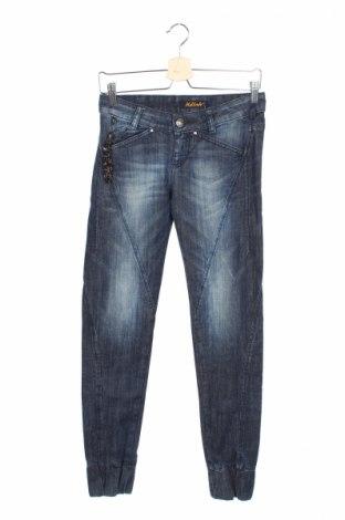 Дамски дънки Killah, Размер S, Цвят Син, 98% памук, 2% еластан, Цена 24,44лв.