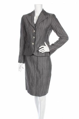 Дамски костюм Taifun, Размер S, Цвят Сив, 62% полиестер, 32% вискоза, 6% метални нишки, Цена 18,00лв.