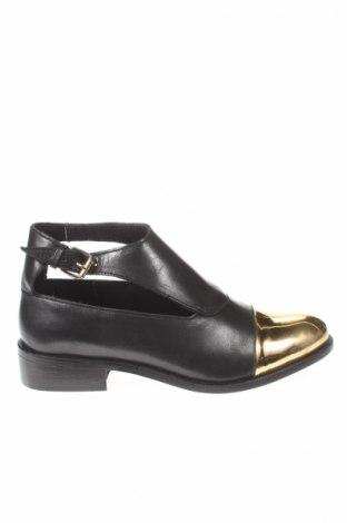 Γυναικεία παπούτσια Sisley