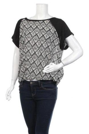 Дамска блуза Forever 21, Размер L, Цвят Черен, 100% полиестер, Цена 16,80лв.