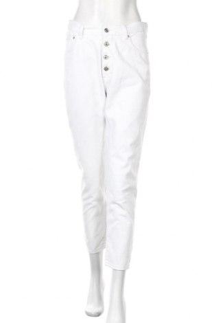 Дамски дънки Pull&Bear, Размер M, Цвят Бял, Цена 21,74лв.