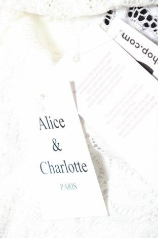 Дамски гащеризон Alice & Charlotte, Размер XS, Цвят Бял, 95% полиестер, 5% еластан, Цена 20,01лв.
