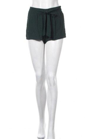 Γυναικείο κοντό παντελόνι Forever 21, Μέγεθος S, Χρώμα Πράσινο, Βισκόζη, Τιμή 4,77€