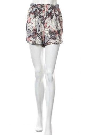Γυναικείο κοντό παντελόνι ONLY, Μέγεθος M, Χρώμα Πολύχρωμο, Βισκόζη, Τιμή 15,16€