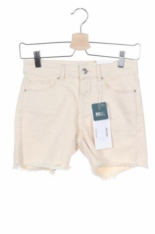 Γυναικείο κοντό παντελόνι ONLY, Μέγεθος XS, Χρώμα Εκρού, Τιμή 16,15€