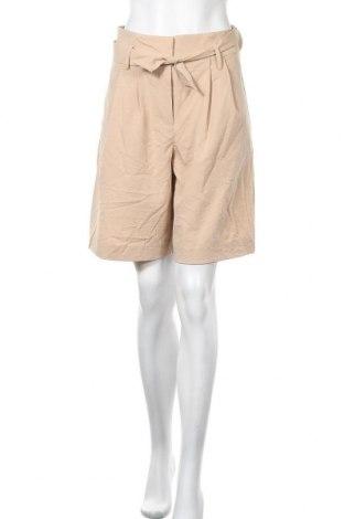 Дамски къс панталон Vero Moda, Размер S, Цвят Бежов, 58% вискоза, 35% полиестер, 7% полиамид, Цена 19,60лв.