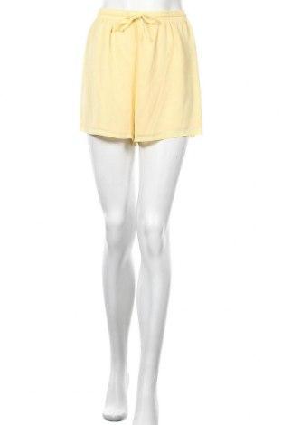 Γυναικείο κοντό παντελόνι Vila, Μέγεθος M, Χρώμα Κίτρινο, Πολυεστέρας, Τιμή 14,65€