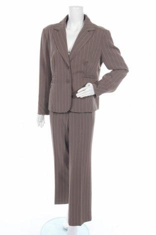 Дамски костюм, Размер XL, Цвят Кафяв, 95% полиестер, 5% еластан, Цена 43,05лв.