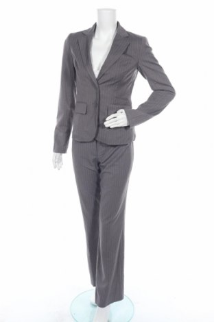 Дамски костюм Clockhouse, Размер M, Цвят Сив, 67% полиестер, 31% вискоза, 2% еластан, Цена 38,64лв.