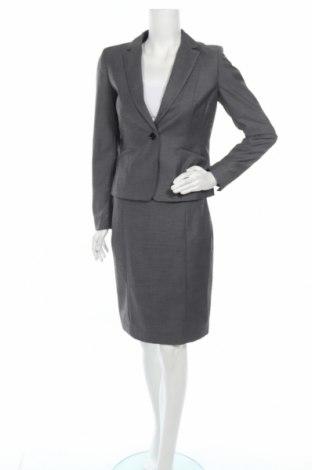 Дамски костюм H&M, Размер M, Цвят Сив, 81% полиестер, 17% вискоза, еластан, Цена 26,46лв.