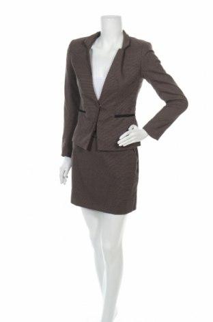 Дамски костюм H&M, Размер S, Цвят Кафяв, 64% полиестер, 34% вискоза, 2% еластан, Цена 51,87лв.
