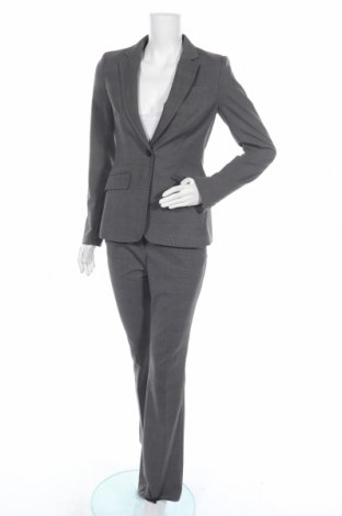 Дамски костюм H&M, Размер S, Цвят Сив, 68% полиестер, 30% вискоза, 2% еластан, Цена 45,52лв.