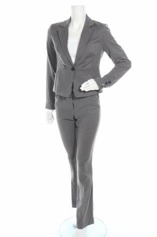 Дамски костюм Orsay, Размер XS, Цвят Сив, 68% полиестер, 30% вискоза, 2% еластан, Цена 33,81лв.