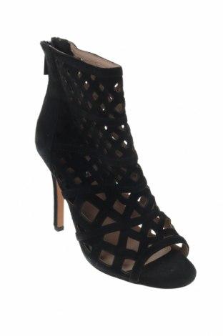 Дамски летни ботуши Reserved, Размер 36, Цвят Черен, Естествен велур, Цена 33,82лв.