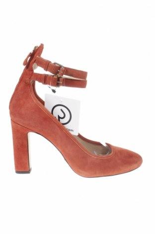 Дамски обувки Massimo Dutti, Размер 39, Цвят Оранжев, Естествен велур, Цена 40,05лв.