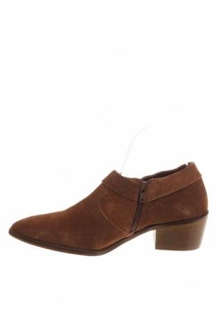 Γυναικεία παπούτσια Reserved, Μέγεθος 40, Χρώμα Καφέ, Φυσικό σουέτ, Τιμή 12,85€