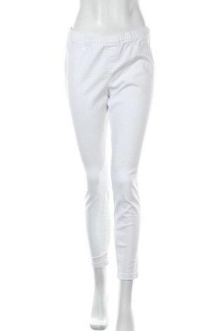 Дамски панталон C&A, Размер M, Цвят Бял, 98% памук, 2% еластан, Цена 8,51лв.