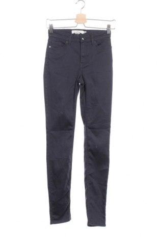 Дамски панталон H&M L.O.G.G., Размер XS, Цвят Син, 67% памук, 30% полиестер, 3% еластан, Цена 23,94лв.