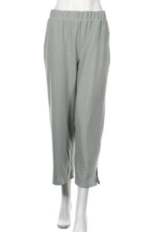 Дамски панталон Noisy May, Размер M, Цвят Зелен, 95% полиестер, 5% еластан, Цена 13,57лв.