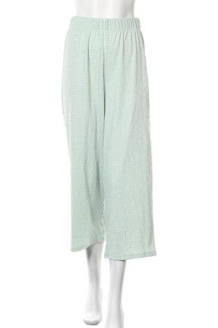 Дамски панталон ONLY, Размер S, Цвят Зелен, 99% полиестер, 1% еластан, Цена 24,80лв.