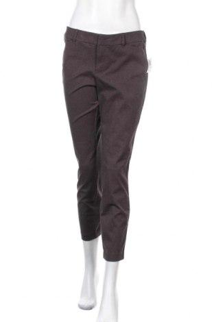 Дамски панталон Old Navy, Размер M, Цвят Сребрист, 70% памук, 23% полиестер, 7% еластан, Цена 9,98лв.