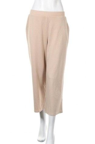 Дамски панталон Vero Moda, Размер M, Цвят Бежов, 60% полиестер, 35% вискоза, 5% еластан, Цена 15,87лв.