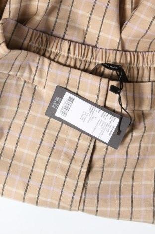 Дамски панталон Vero Moda, Размер M, Цвят Бежов, 67% полиестер, 30% вискоза, 3% еластан, Цена 13,20лв.
