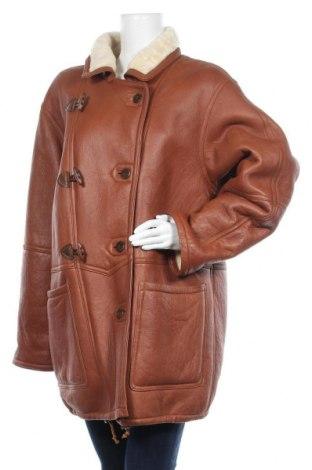 Дамско кожено палто, Размер XXL, Цвят Кафяв, Естествена кожа, Цена 117,60лв.
