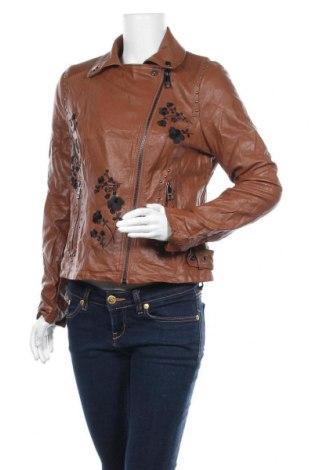 Дамско кожено яке Guess, Размер M, Цвят Кафяв, Еко кожа, Цена 81,27лв.