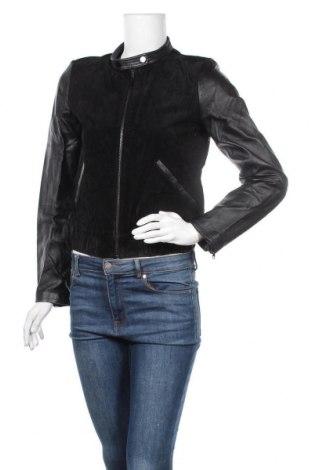 Дамско кожено яке Mango, Размер S, Цвят Черен, Естествен велур, естествена кожа, Цена 125,69лв.