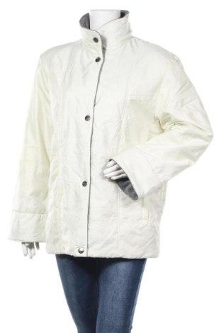Дамско яке, Размер M, Цвят Екрю, 59% полиамид, 41% полиестер, Цена 11,91лв.